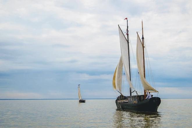 """Senovinis burinis Kuršių marių laivas–reisinė """"Dreverna"""""""