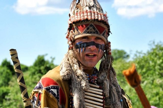 """Šiaurės Amerikos indėnų kaimas """"Vinetu kaimas"""""""