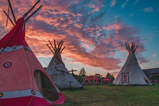 """Turistinė stovykla """"Vinetu kaimas"""""""
